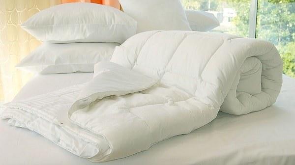 Як випрати ватяну, вовняну, синтепонову ковдру в домашніх умовах?