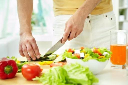 Без суші, сиру і шоколаду: якої дієти дотримуватися при атопічному дерматиті