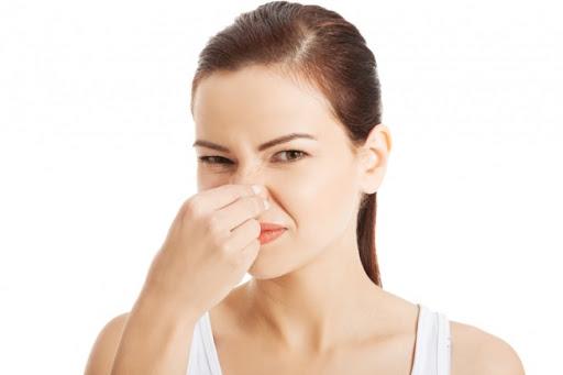 9 причин, чому від вас тхне потом