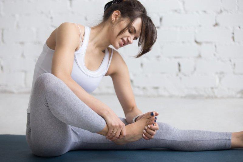 Плоскостопість: 13 ефективних вправ для профілактики і лікування