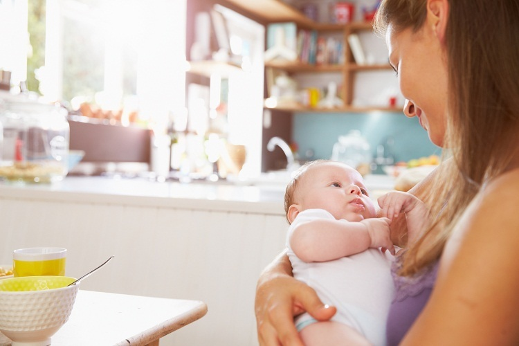 Як підвищити жирність грудного молока мамі, що годує (і чи потрібно це робити)