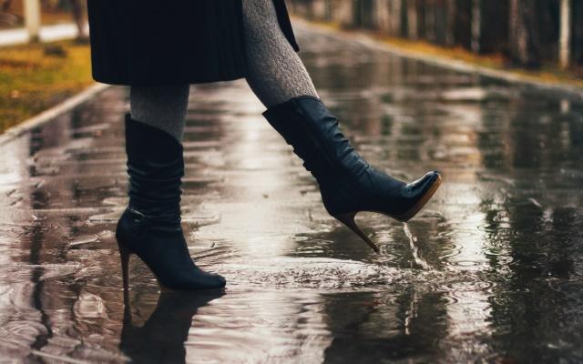 9 способів захистити взуття від промокання