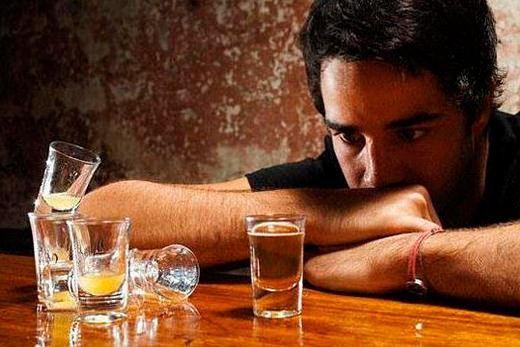 9 речей, які не треба робити живучи з алкоголіком
