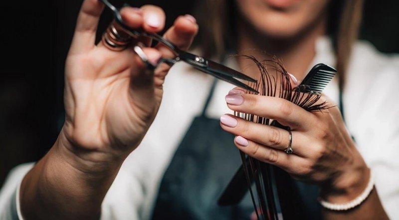 Змінюйся до весни: 6 модних жіночих стрижок 2020 на середні волосся