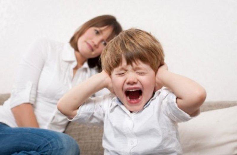 7 причин, чому дитина вередує (і 7 способів припинити істерику)