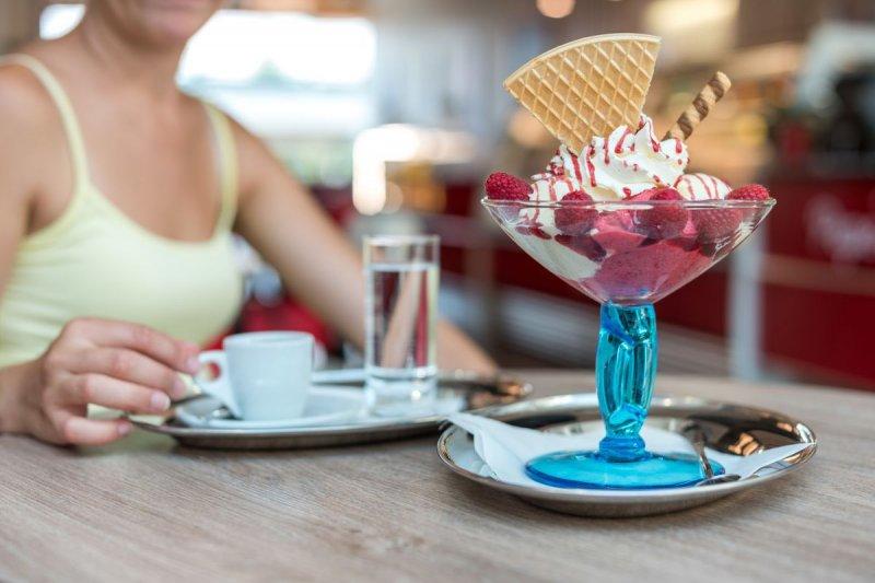 Якщо переборщила з солодким: 8 способів знизити шкоду вже з'їдених десертів