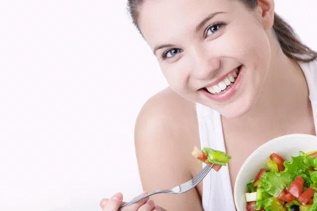 Якщо дуже хочеться: 14 безпечних способів балувати себе фастфудом на дієті