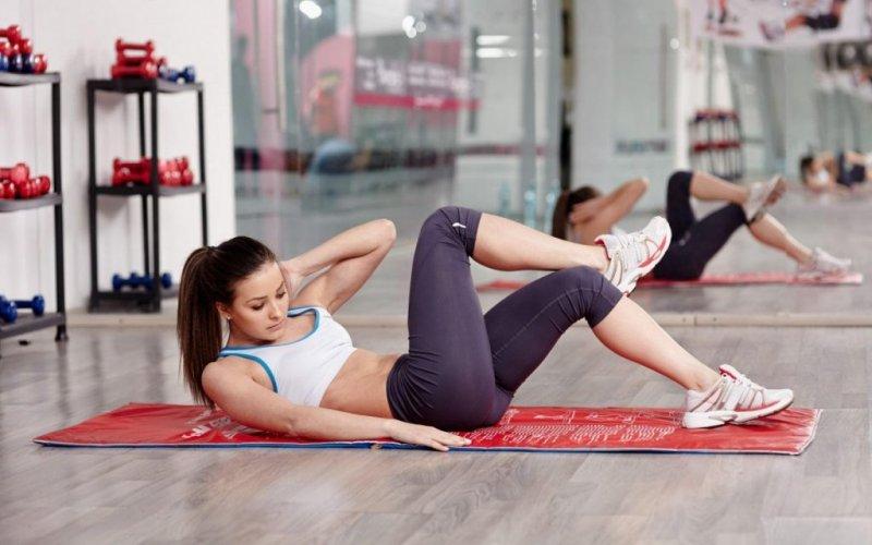 Скільки калорій ти насправді спалюєш під час тренування (ми все порахували)