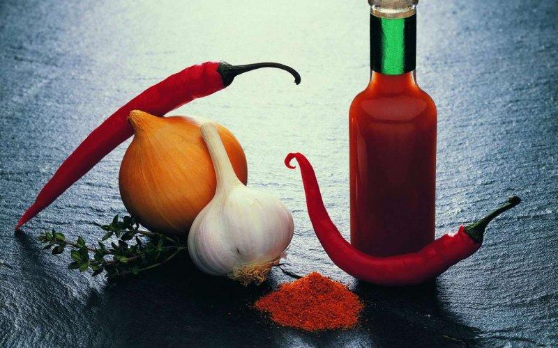 Їжа з вогником: 8 доведених фактів про користь гострої їжі