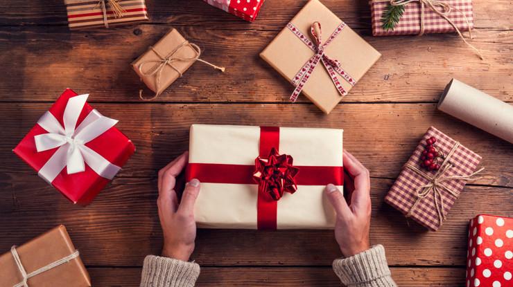 Як вибрати подарунок другу?