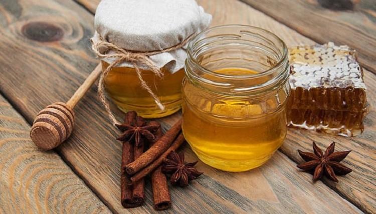 Мед і кориця: 4 причини частіше їсти їх разом