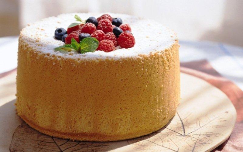 Запитали у кондитера: 8 секретів ідеального бісквітного торта