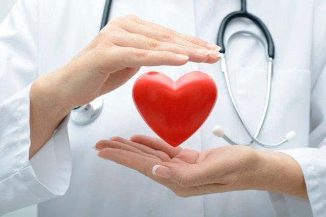 Міфи про здоров'я серця (що корисніше: вода, їжа або спорт)