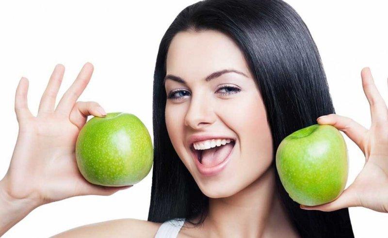 10 звичок, які допоможуть краще доглядати за зубами влітку