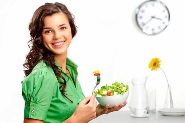 Продукти, які найкраще їсти до, під час і після місячних